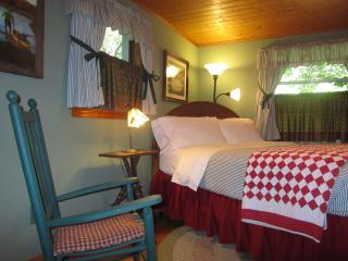 2 BR Guest House at Colonial Pines Inn B&B - Highlands vacation rentals