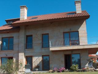 QUALITY APARTMENTS: RELAX AND ENJOY - Sanxenxo vacation rentals