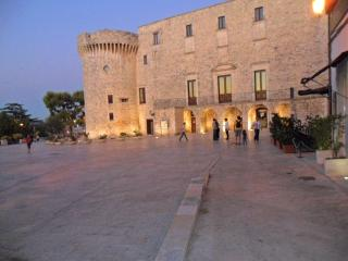 Lovely stone house in medieval village Conversano-JATTA - Puglia vacation rentals