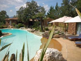 Beautiful stone-built villa, golf of Saint-tropez - Cavalaire-Sur-Mer vacation rentals
