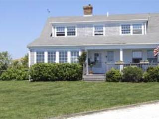 3 Bedroom 2 Bathroom Vacation Rental in Nantucket that sleeps 7 -(10228) - Image 1 - Nantucket - rentals