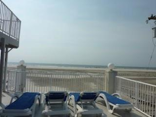 Beach Block Wildwood Crest with Pool 2br/2bath - Wildwood Crest vacation rentals