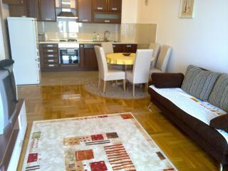 New full apartment in the center of Makarska - Makarska vacation rentals