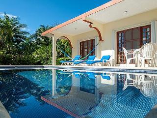 Quaint 2 bdrm, 2 bath home with pool and huge yard, partial ocean view - Puerto Morelos vacation rentals