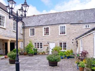 CHURCH SETTLE 2, Grade II listed, wooden floors and beams, cosy accommodation in centre of Somerton, Ref 16470 - Somerton vacation rentals