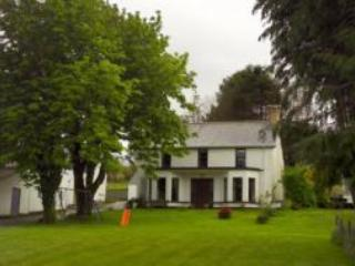 View of Bardon House from the road - 4 bedrm holiday cottage enniskillen co fermanagh - Enniskillen - rentals