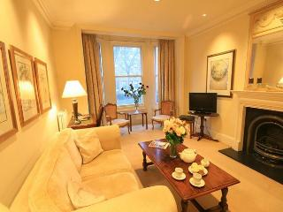 Holborn Superior 2 Bedroom/2 Bath Flat by West End - London vacation rentals