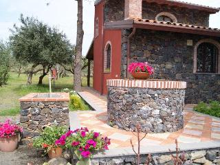 La Casa di Filippo - Linguaglossa vacation rentals