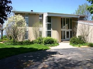 42 North Shore North - Weekly stays begin on Saturdays - Southwest Michigan vacation rentals