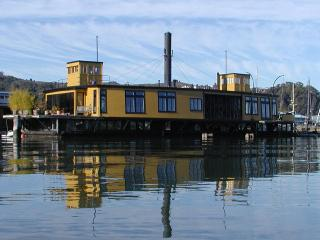 Most Spectacular Houseboat in Sausalito - Sausalito vacation rentals