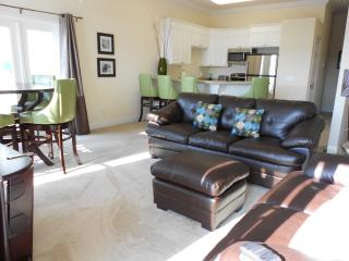 Quiet, Luxurious Townhome with Water View Near Sugar Beach - Panama City Beach vacation rentals