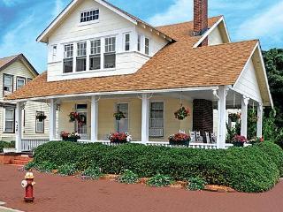 Cutty Sark Historic Beach Cottage 201B Upstairs oceanview - Virginia Beach vacation rentals