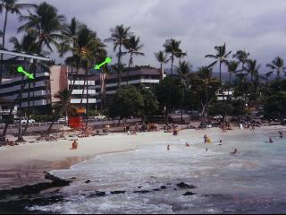 2 bdrm 2 ba condo across from White Sands Beach - Kona Coast vacation rentals