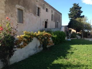 Historical villa in the Sicilian countryside! - Syracuse vacation rentals