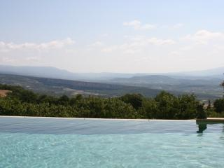 5 BR villa in heart of Provence with Pool & Tennis - Gordes vacation rentals