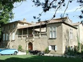 Beau Chateau Chateau to rent in Provence - Image 1 - Saint-Laurent-des-Arbres - rentals