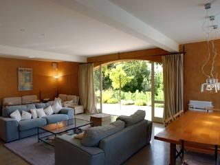 Maison Roussillon, Villa Rental with a Fireplace, Balcony, and Grill - Roussillon vacation rentals