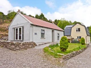 THE DISPENSARY, detached bungalow, en-suite bedroom, pet friendly, in Killeagh, Ref 16695 - Dungarvan vacation rentals