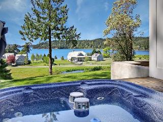 Cape Cod style home with Hot Tub and views Near Roche Harbor! - Friday Harbor vacation rentals
