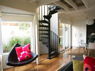 The Loft - delightful 2 bedroom house on city edge - Toorak vacation rentals