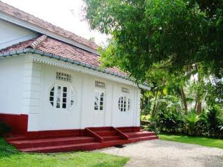 2 Bedroom Apartment near Hikkaduwa/Galle,Sri Lanka - Balapitiya vacation rentals