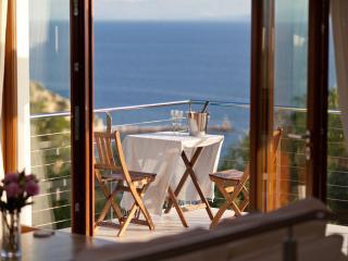 Loggos Retreat - Luxury 3 Bedroom Villa with Pool - Loggos vacation rentals