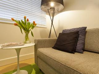 Elwood Beach Apartment Stay, Save & Relax! - Melbourne vacation rentals