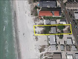 BEACHFRONT HOUSE 4BR/2BA
