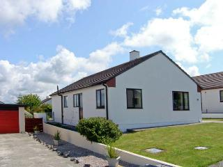 ARWELFA, all ground floor, one minute from beach, enclosed garden in Valley, Ref 15934 - Island of Anglesey vacation rentals