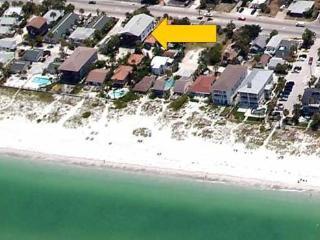 Beachside Condo 3BR/1.5BA