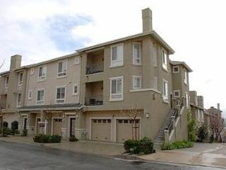 Spacious Executive Condo, 3/3.5 bt, Sleeps 7, - San Jose vacation rentals