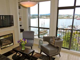 Studio-Views of Upper Harbour, Ferry Stop Outside - Victoria vacation rentals