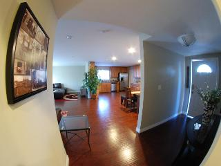 3 Bedroom Vacation House Near Disneyland - Belmont Shore vacation rentals