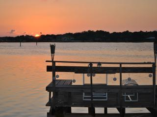 Villa Dolphin Watch, directly at the waterfront - Indian Rocks Beach vacation rentals