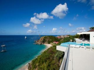 Luxury 5 bedroom Lurin villa. Great views of the island, ocean and sunset! - Lurin vacation rentals