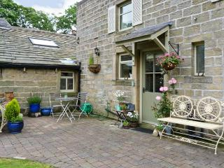 OAKLANDS COTTAGE all ground floor, romantic retreat, woodburning stove in Colne Ref 17593 - Lancashire vacation rentals