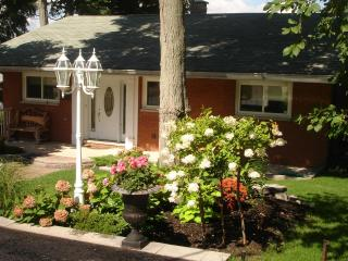 Peaceful Orillia Lakefront Paradise on Lake Simcoe - Shanty Bay vacation rentals