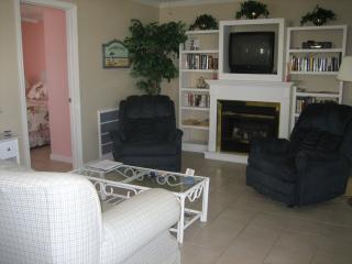 Sunrise Beach Cottage - Steps to Times Square! - Biggar vacation rentals
