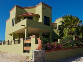 $55 1BR $75 2BR Guest unit $1300/wk entire house - Baja California vacation rentals