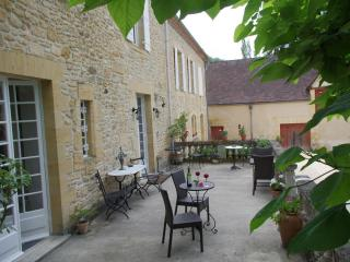 Manoir Petit Meysset - Superb Suites or SC Studios - Meyrals vacation rentals