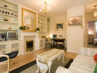 Queen Holland Vacation Rental in Kensington - London vacation rentals