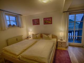 Vacation Apartment in Oberammergau - 431 sqft, individual, elegant (# 2972) - Mittenwald vacation rentals