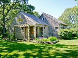HILLSIDE HIDEAWAY ON BLUEBERRY RIDGE - CHIL VBAR-39MH - Chilmark vacation rentals