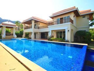Luxury Pool Villa Close to the Beach - Prachuap Khiri Khan Province vacation rentals