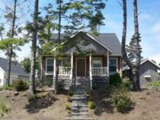 Cozy 2 BR Cottage-Great Cooks Kitchen, Pets Welcome - Otter Rock vacation rentals