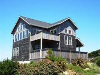 Great Views Large Families, HotTub, PingPong, Pets - Otter Rock vacation rentals