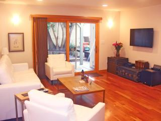 Luxury 1 Bedroom Unit, Walk to Beach. Sleeps 4. - Los Angeles vacation rentals