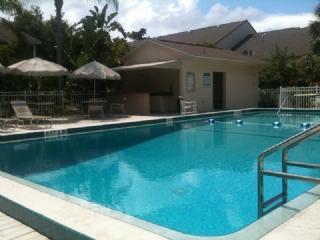 Heated Pool - Summer Place - Vanderbilt Beach - rentals