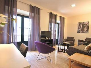 MAESTRANZA - Central Seville - New apartments - Seville vacation rentals