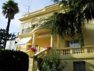 La Pastorale, Lovely 4 Bedroom Villa with a Garden and Balcony - Cannes vacation rentals